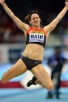 Claudia Rath beim Weitsprung
