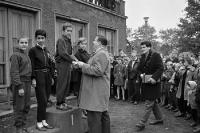 Siegerehrung nach einem Laufwettbewerb, DDR, 1963