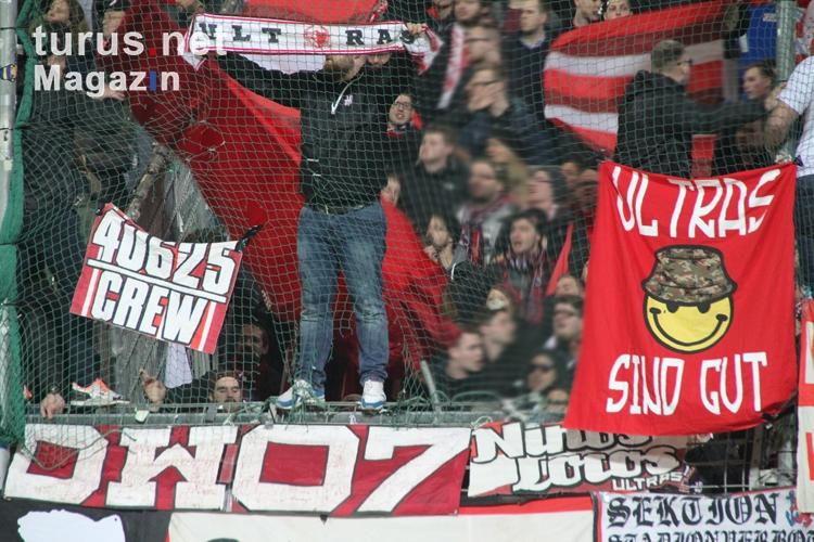 Foto: Fortuna Düsseldorf Ultras in Bochum - Bilder von ...