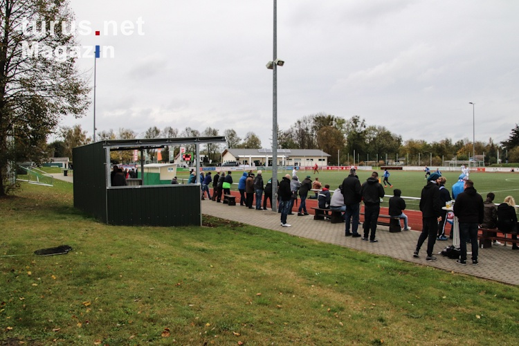 Foto: SV Grün-Weiss Brieselang vs. F.C. Hansa Rostock II ...