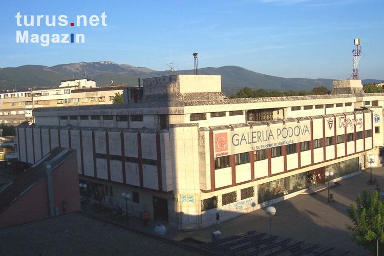 Foto: Einkaufszentrum der serbischen Stadt Pirot - Bilder ...