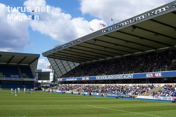 Millwall FC - FC Burnley im New Den