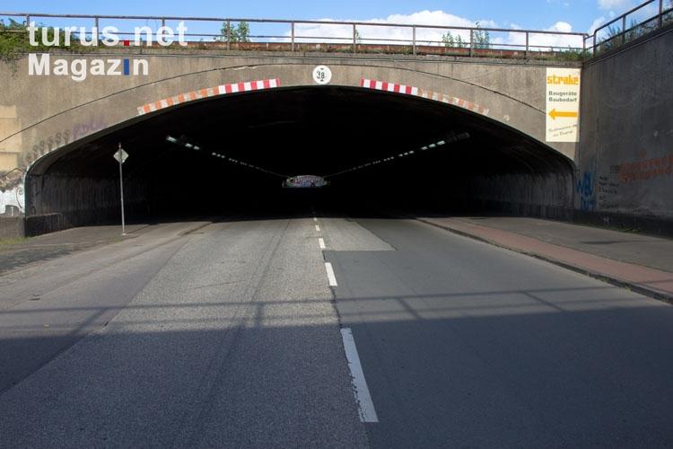 Foto: Tunnel Karl Lehr Straße Duisburg - Bilder von ...