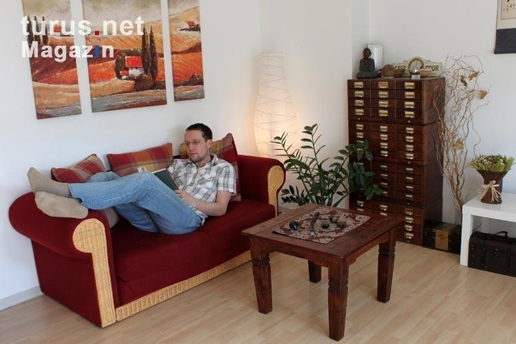 Foto My Home Is My Castle Zu Hause Im Wohnzimmer Gemutlich Machen