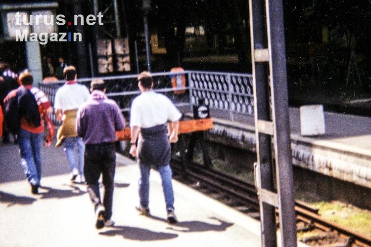 foto ankunft am leipziger hauptbahnhof 1994 bilder von alte zeiten 1990 bis 2000. Black Bedroom Furniture Sets. Home Design Ideas