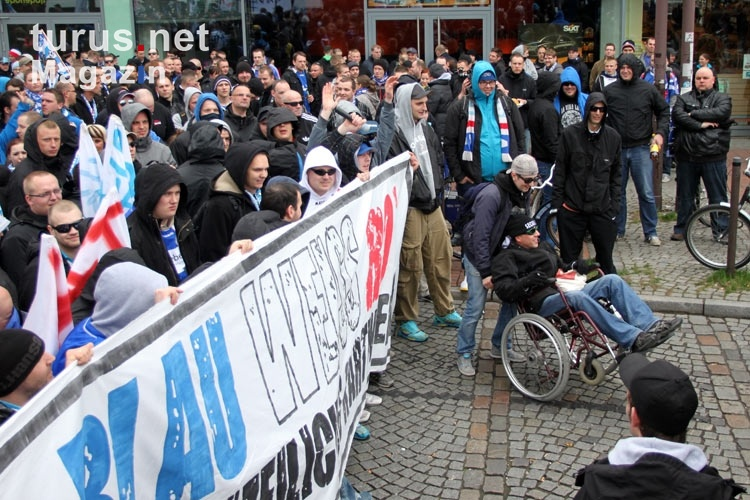Start der Rostocker Fandemo 2012 am Bahnhof Hamburg-Altona