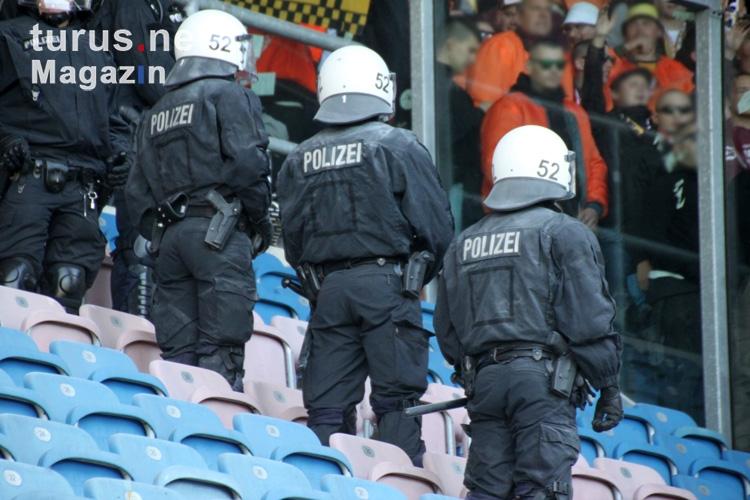 Foto: Dynamo Dresden beim F.C. Hansa Rostock - Bilder von ...