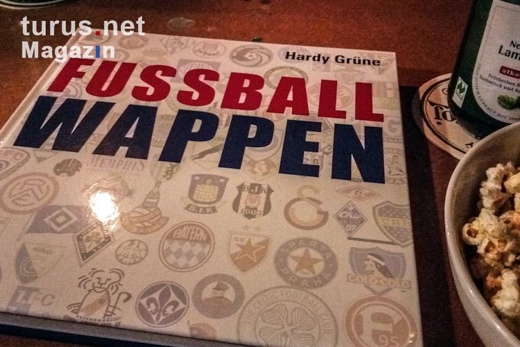 fussballwappen_buch_von_hardy_gruene_20181218_1019821889.jpg