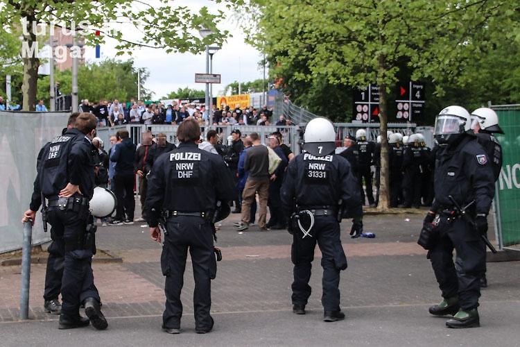 polizeieinsatz_am_gaesteblock_20180429_1961270249-2.jpg