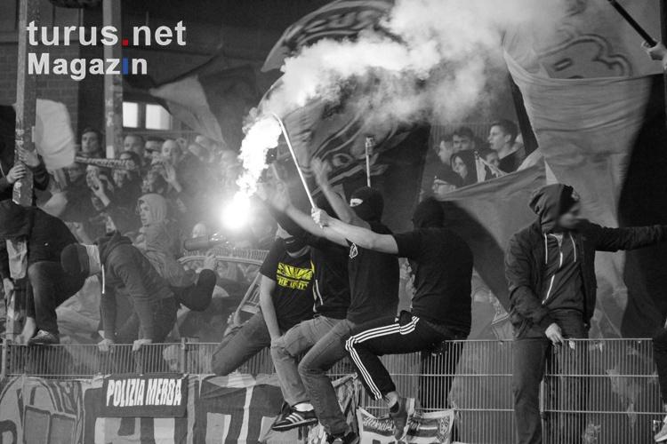 pyro_bvb_ultras_fans_the_unity_20151110_1496614811.jpg