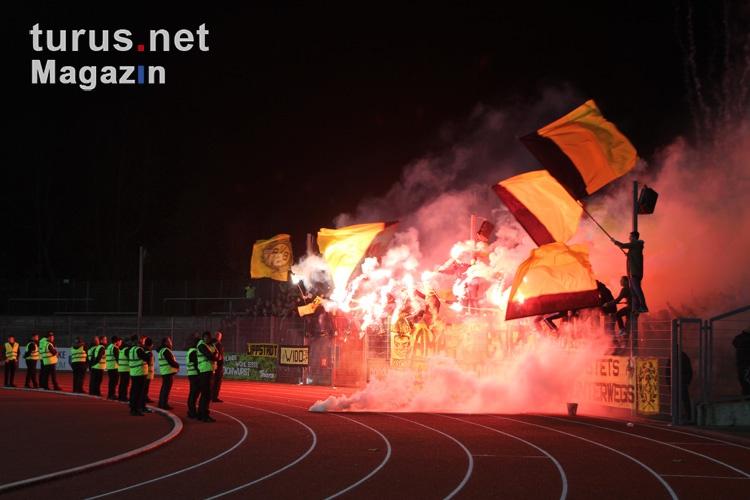 pyro_bvb_ultras_fans_the_unity_20151110_1854675533.jpg
