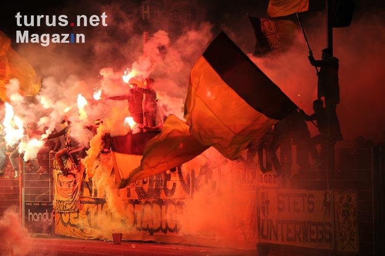 pyro_bvb_ultras_fans_the_unity_20151110_2085028689.jpg