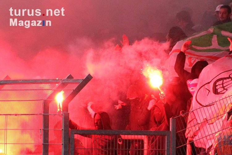 pyroshow_rwo_fans_gegen_rwe_20151115_1834925345.jpg