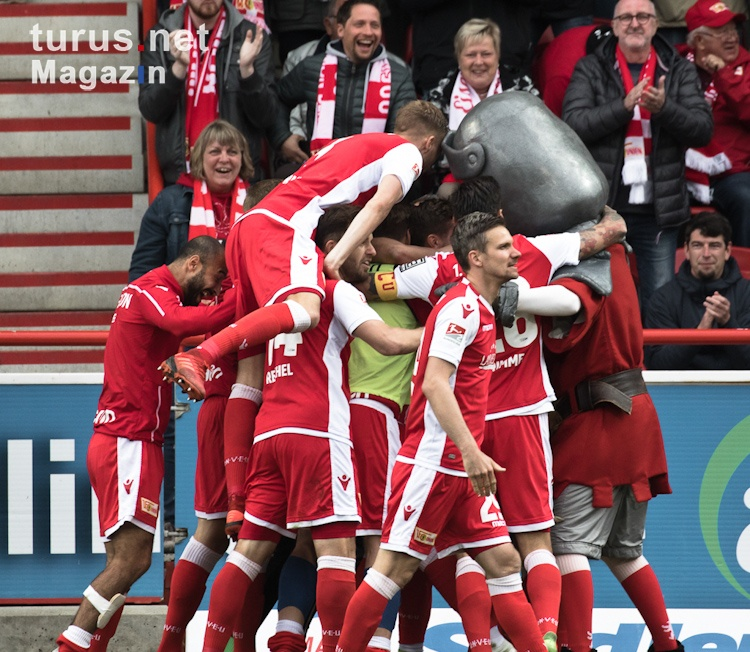 1_fc_union_berlin_vs_hamburger_sv_20190429_1040411706.jpg