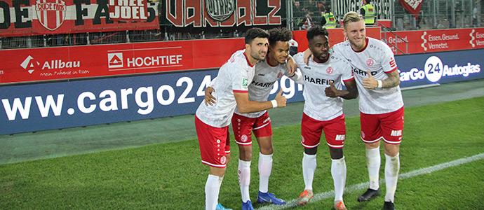WE wieder stark: Rot-Weiss Essen zieht weiter an / Sieg gegen Bonner SC