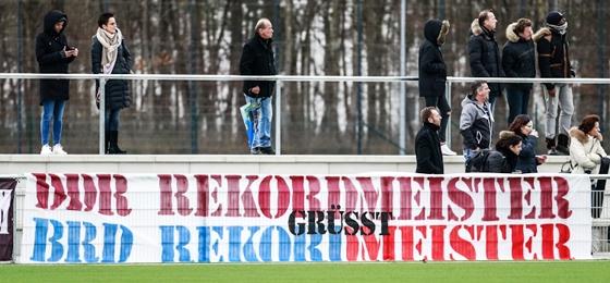 FC Bayern München vs  BFC Dynamo: Zahlreiche Fans begleiten
