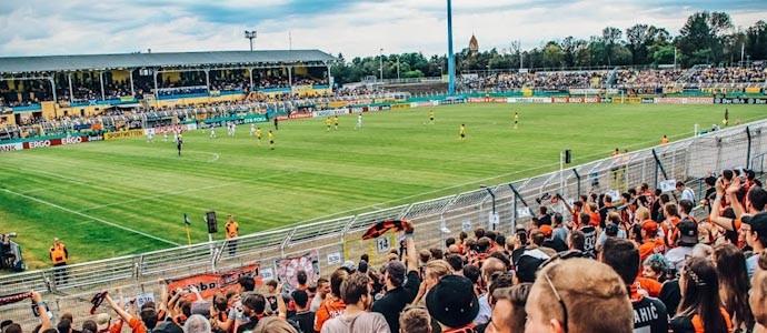 Old-School-Tour vom Feinsten: Bayer 04 Leverkusen siegt beim 1. FC Lok Leipzig