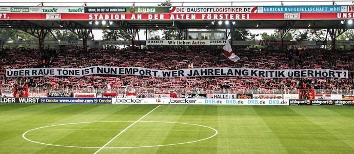 """""""Krieg dem DFB"""": Brot und Spiele. Kampf der Klassen. Die womöglich letzte Schlacht!"""