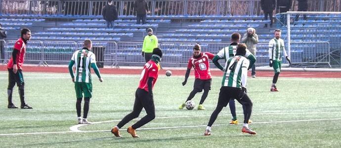 Endlich wieder Fußball! Victoria Września besiegt Kotwica Kórnik 2:1