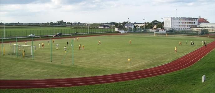 Sportplatz mit Rodelberg - Clescevia besiegt Żerków 4:0