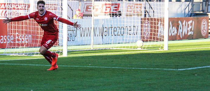 27-Enzo-Wirtz-Rot-Weiss-Essen-gegen-SV-Rödinghausen-17