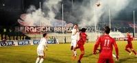 Wuppertaler SV vs. Düsseldorf: Ultras Wuppertal Geburtstags Pyro-Choreo garniert mit Torfestival