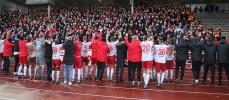 Starkes Finish: Rot-Weiss Essen trotzt Schiri, Profis und Acker in Dortmund