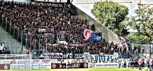 Wuppertaler Fans jubeln in Essen
