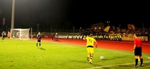 Wattenscheid vs. BVB II: Farbenfrohe Pyroshow und gelungenes Trainerdebüt