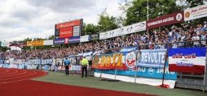 Fortuna Köln vs. Hansa Rostock: Pfefferspray, brennendes Gespenst und der Löschmann