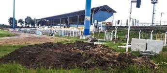 Es dem DFB recht machen: Im Plache-Stadion des 1. FC Lok Leipzig wird geschuftet