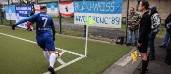 Blau-Weiß 90 Berlin vs. Ludwigsfelder FC: Dichter dran geht wirklich nicht!