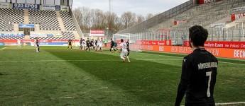 Rot-Weiss Essen siegreich beim letzten Spiel aufm Acker gegen Mönchengladbach