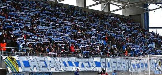 Himmelblau schlägt Königsblau: Chemnitzer FC überzeugt in der Festung Fischwiese