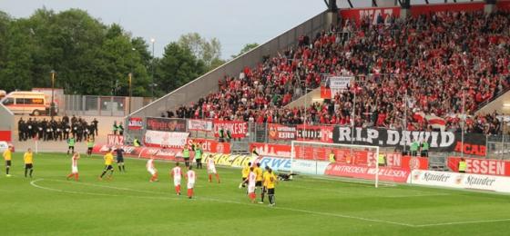 RWE vs. KFC : Pokalfinale-Warmup für Essen, Abstiegsniederlage für Uerdingen