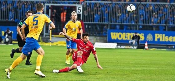 Eintracht  Braunschweig kegelt Union Berlin aus dem Aufstiegsrennen