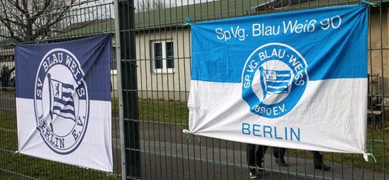 blau weiss berlin lebt noch stimmungsvolles spitzenspiel gegen fc internationale. Black Bedroom Furniture Sets. Home Design Ideas