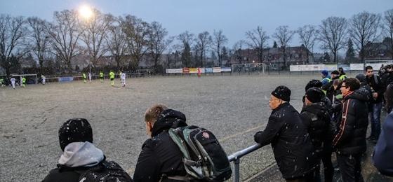 Hansa Rostock II zu Gast in Staaken: Eine Flasche Chardonnay und turbulente Szenen am 1. Advent