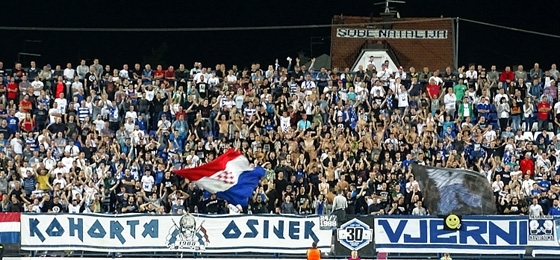NK Osijek vs. HNK Hajduk Split: Der rote Zastava, die brennenden Fackeln, der Siegtreffer in letzter Minute