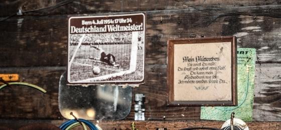 Das denkwürdige Bild im alten Schuppen: Bern 4. Juli 1954, 17 Uhr 34, Deutschland Weltmeister!