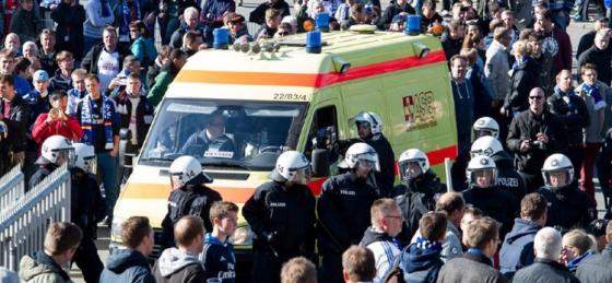 Fankritik am HSV-Vorstand nach gewaltsamen Polizeieinsatz