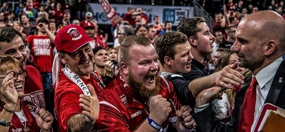 """Heißer Basketball in der """"verlegten"""" Frankenhölle! Bamberg holt gegen Barcelona krassen Rückstand auf!"""
