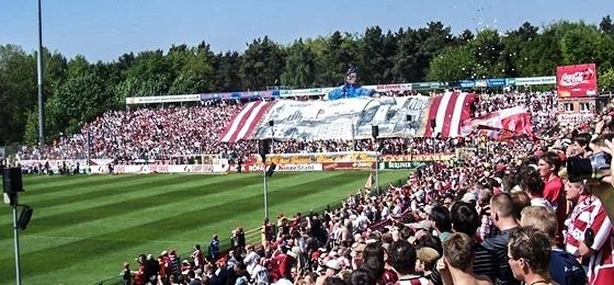 Union Berlin baut das Stadion aus: Die Alte Försterei von 1994 bis Gegenwart in Bildern