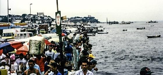Manaus bei Nacht: Wenn ein englischer Globetrotter im Anzug das Rotlichtviertel unsicher macht