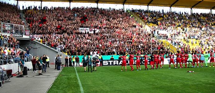 Alemannia Aachen vs. Bayer 04 Leverkusen: starkes Pokalmatch auf Rasen und Rängen