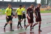 BFC Dynamo – FCK: 10.000 feiern ein Fußballfest, Hundert ramponieren das Image