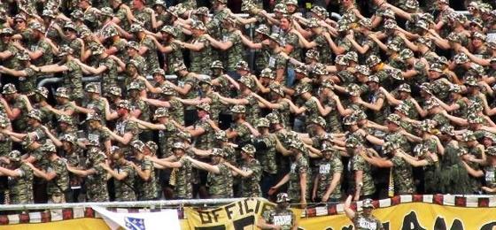 Dynamischer Camouflage-Alarm in Karlsruhe: Wer erklärt hier wem den Krieg?