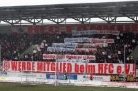 Hallescher FC vs. Chemnitzer FC: Schneeschlacht, rote Linien, mobile Räumkommandos
