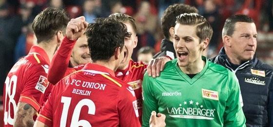 Der Aufstiegstraum wird immer realer: Die Eisernen erkämpfen gegen Nürnberg Platz 1